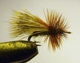 Мушка на двойнике Elk Hair Brown