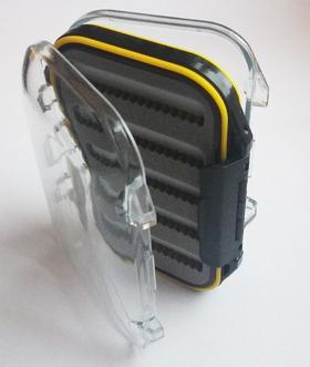 Коробка для мушек пластиковая 10х7х3 cм